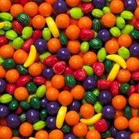 Fruits colorés en sucre
