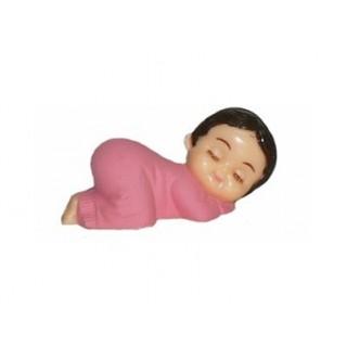 Bébé fille en pyjama