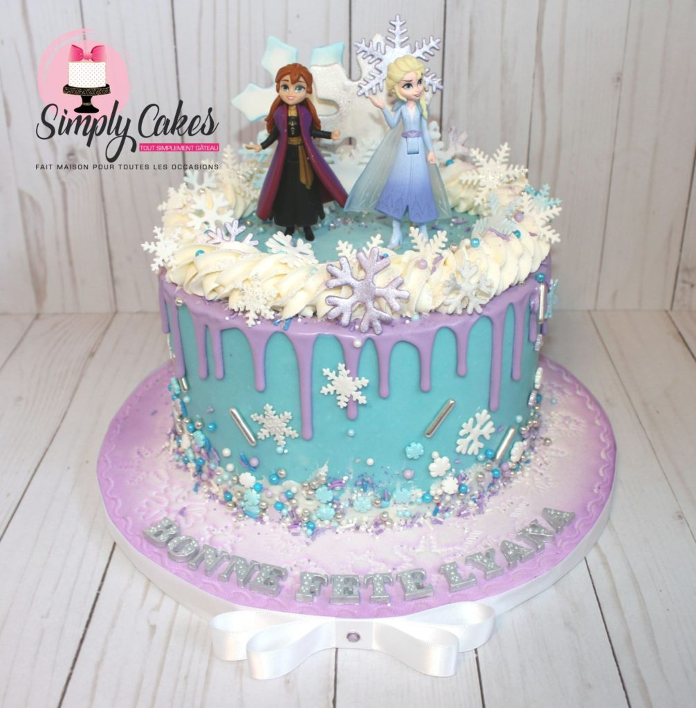 Gâteau de la Reine des Neiges avec Anna et Elsa.